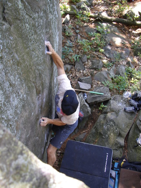 Rock Climbing Photo: Establishing on the sloper and looking for the foo...