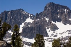 Rock Climbing Photo: Mt Ritter from the pass to Lake Garret