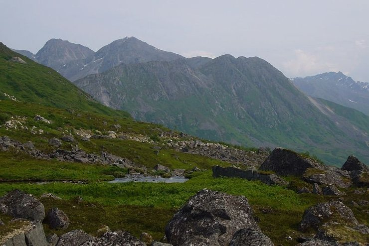 Rock Climbing Photo: The Archangel Valley of Hatchers Pass with the Riv...