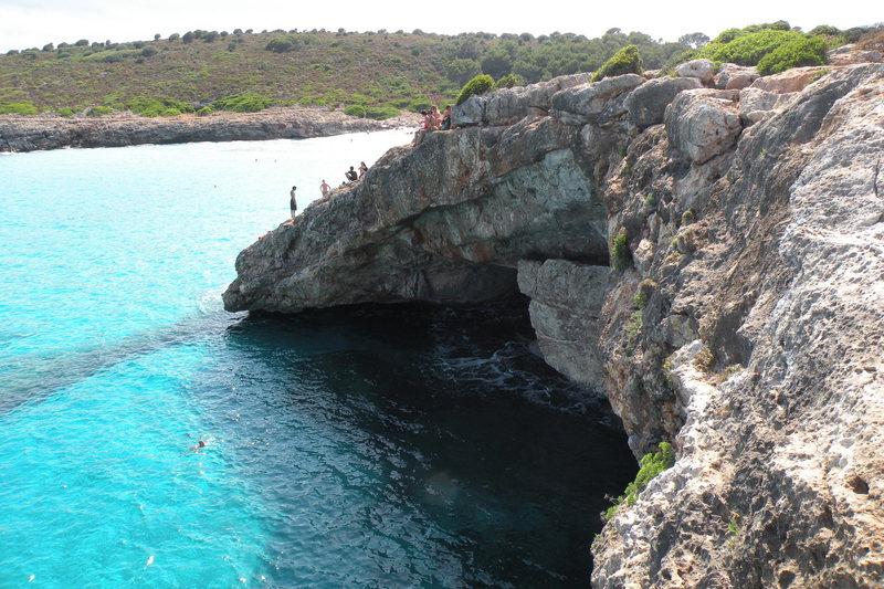 The [[Cova area]]106481150 of Cala Barques.