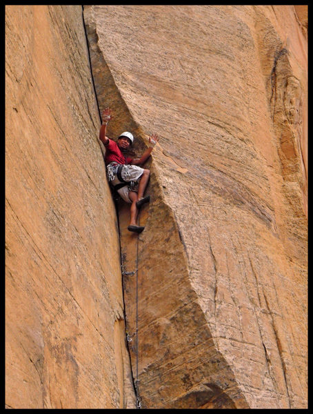 Joe Garcia milking a no-hands rest just below the crux of the first pitch of The Golden Spike in Sedona, AZ.