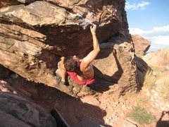 Rock Climbing Photo: Crux of Picante Sauce - Picante Roof