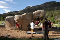 Rock Climbing Photo: Gal in the red shirt is on TX flake.