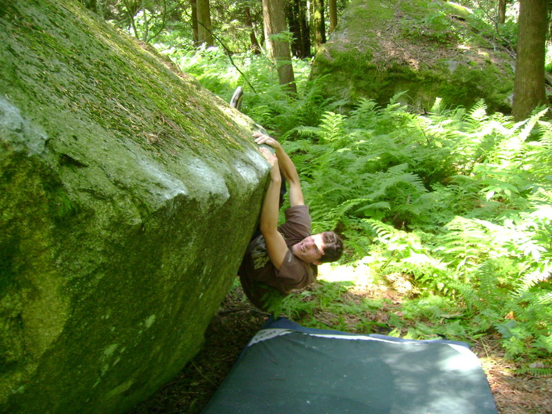 Marc-Andre on the technical Hunter Green Traverse V6