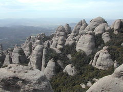 Rock Climbing Photo: Agulles: West part of Montserrat, lots of spires (...