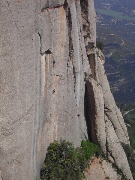 Rock Climbing Photo: Lotus route. About 100 mts to the right from Easy ...