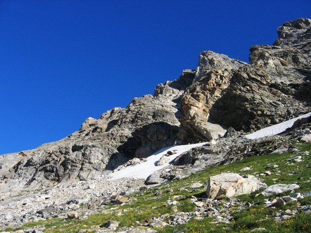Rock Climbing Photo: Approaching the base of the Ellingwood/Buckingham ...