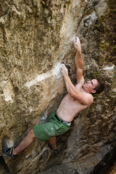 Rock Climbing Photo: Jake Carroll on the Floater, V5.