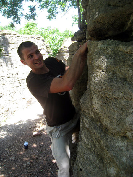 Dan Scheurch doing the autobahn traverse and working the picnic wall part.
