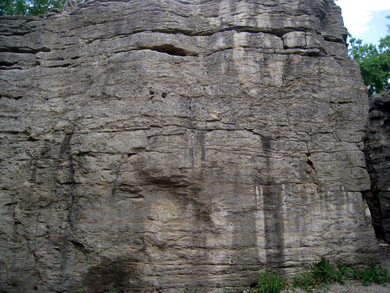 Rock Climbing Photo: Troop Wall.  Looking at Snake Eyes from the main c...