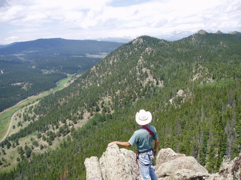 Rock Climbing Photo: Roy looking towards Tremont Mountain from the summ...