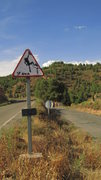 Rock Climbing Photo: The sign at the fork in the road. Left takes you t...