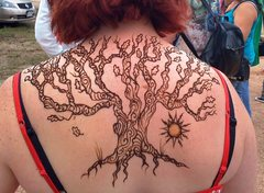 Rock Climbing Photo: henna back piece