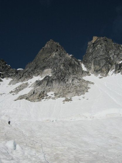 Rock Climbing Photo: Approaching the South Face route on the Middle Tro...