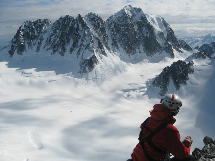 Rock Climbing Photo: Overlooking the Pika Basecamp from the Lost Marsup...