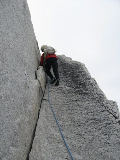 Rock Climbing Photo: The opening easy/stellar crack on the Lost Marsupi...