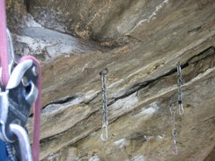 Rock Climbing Photo: new bolt and chain-biner on Great Escape