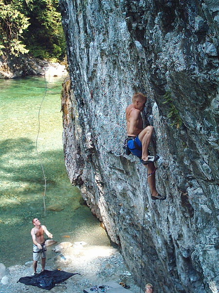Leroy Froese on Heroin 5.12c