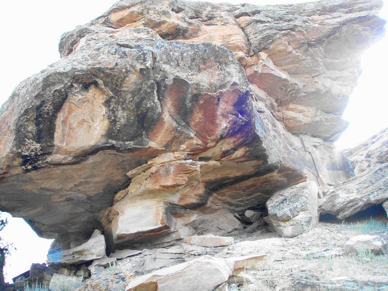 Rock Climbing Photo: Honeycomb Boulder.