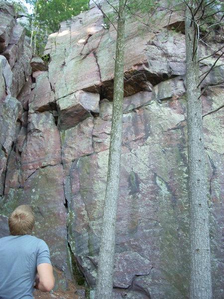 Rock Climbing Photo: Manhandler climbs 5 ft right of the inside corner ...
