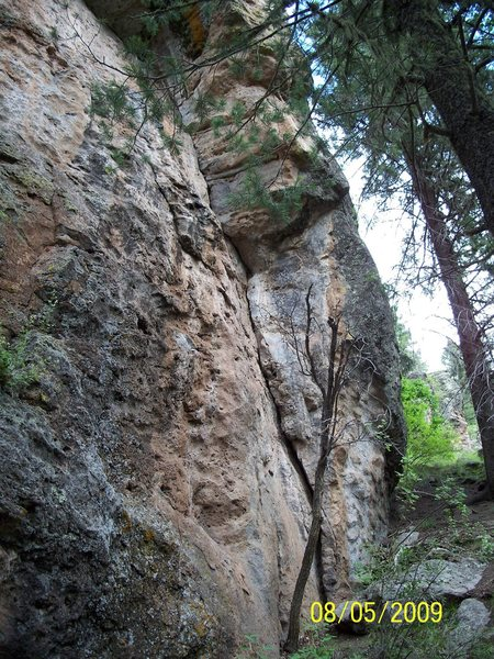 Rock Climbing Photo: The crack route at the far right side of Area 37.