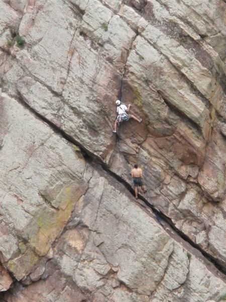Rock Climbing Photo: Bret leading the 2nd pitch. Picture taken from Bas...