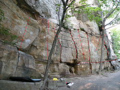 Rock Climbing Photo: The Keyhole Cliff area: 1. Clune Crank (V1), 2. Th...