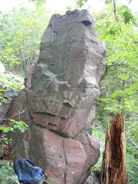 """Rock Climbing Photo: This boulder is slightly north of """"Lincoln's ..."""
