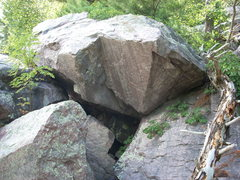 Rock Climbing Photo: Another rock up from the Peace Boulder.