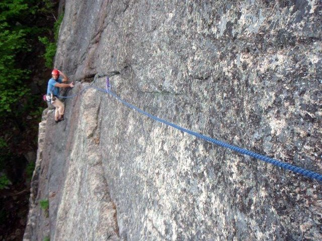 Rock Climbing Photo: Striking a pose on the ever-classic Thin Air trave...