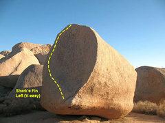 Rock Climbing Photo: Shark's Fin Left (V-easy), Joshua Tree NP