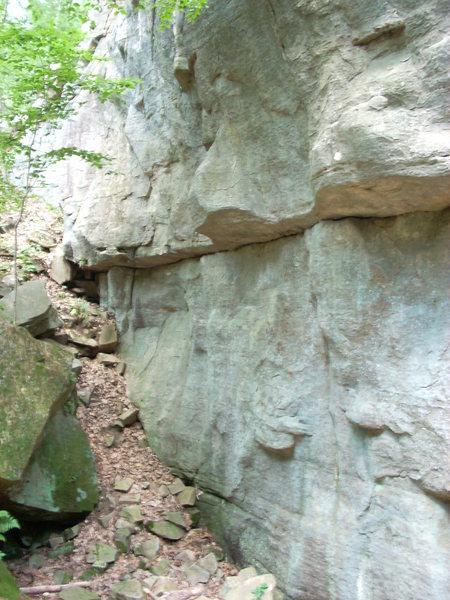 Rock Climbing Photo: Z's TR starts between the two protrusions seen in ...