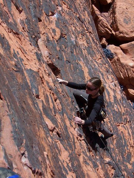 Rock Climbing Photo: Rose on the OS of Blonde Drawf.