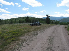 This is a picture of the pull-out for cars just before the 4x4 road and the 3rd cattle guard.