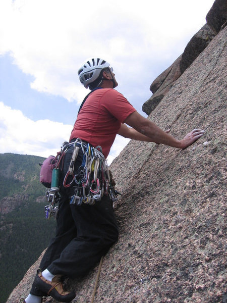 Starting the finger crack on P4. I recommend this variation for this pitch.