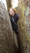 Rock Climbing Photo: There is a hand crack on the right wall at the ver...