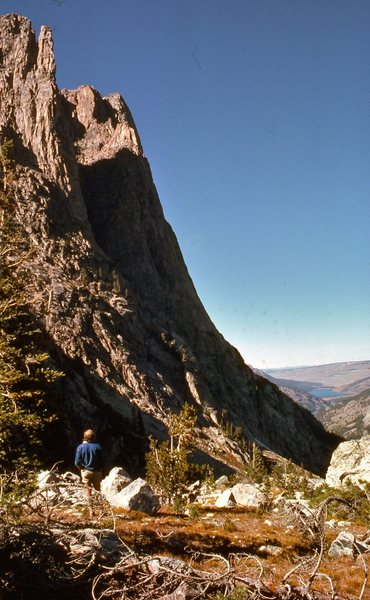Mike Weis surveys Squaretower before the first attempt, Sept. '74. Lower Green River Lake in the right distance.