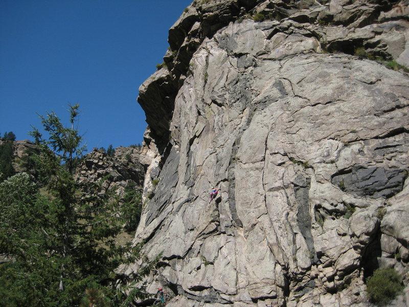 Rock Climbing Photo: Climber on Guppy at Creekside buttress, Brennivin ...