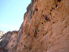 Rock Climbing Photo: Beginning the crux on Broken Arrows