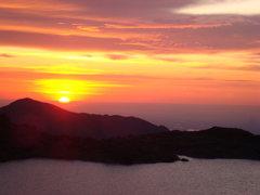 Rock Climbing Photo: Sunrise.  Chasm View Lake.
