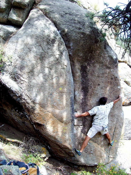 Rock Climbing Photo: Shoulder Boulder, Boulder Canyon