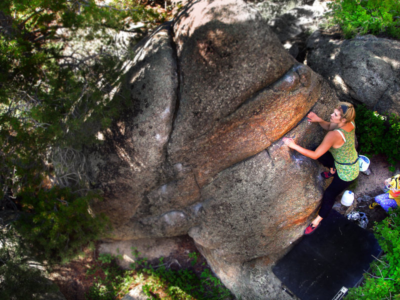 "Jaime Childers making the F.A. of ""Multistory Woman"" at the Dude Boulders."