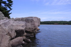 Rock Climbing Photo: The famous West Bluff Diving Rock, aka Pete's Pebb...