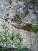 Rock Climbing Photo: This shows the routes Three Easy Pieces and The Tu...