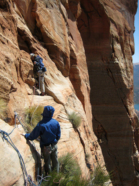 Robbie Colbert and Bill Ohran on the big ledge at the top of the 5th pitch, getting ready to start the FA of pitch 6.