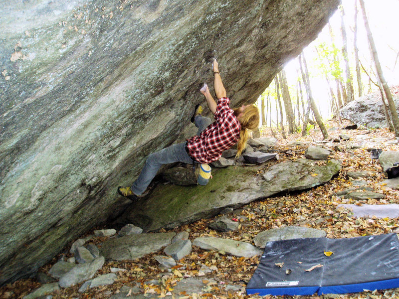 Jason Lachniet's FA of &quot;True Grit&quot;(V-5)at the Contact station.<br> One of the classic testpices found in Grayson Highlands State Park.