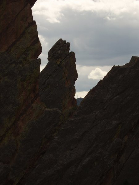 Rock Climbing Photo: Peeking through the Crow's Nest at Jamcrack Spire.