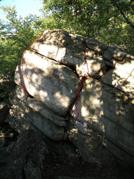 The Satellite #2 Boulder in the Steel Bridge Area: 1. Carriage Way Face (V0), 2. Carriage Way Crack (V0-)