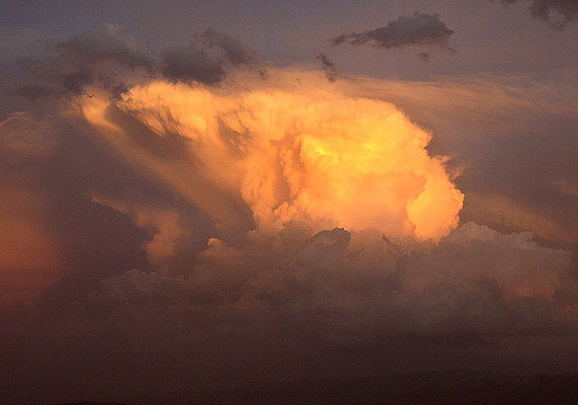 Thunderhead.<br> Photo by Blitzo.