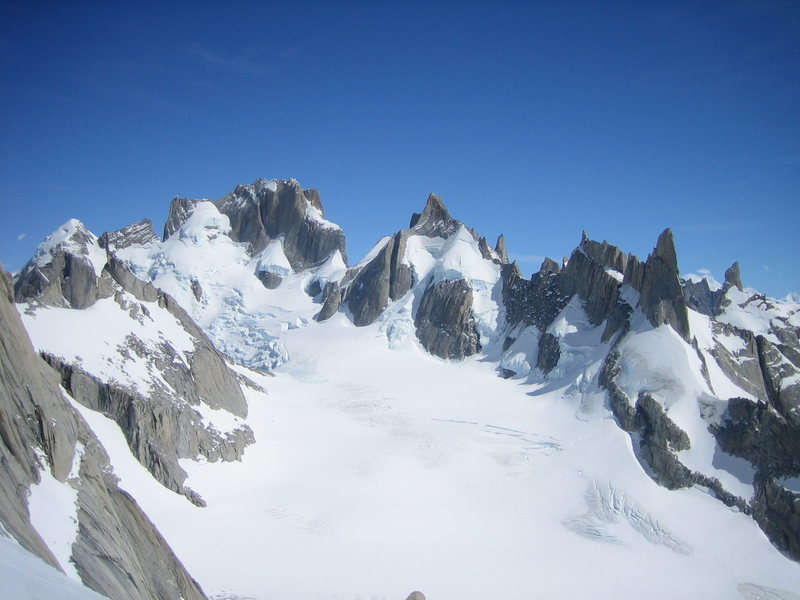 Domo Blanco, Piergiorgio, Cerro Pollone, Aguja Pollone from high on Mate y Porro (B. Bowers, R. Garibotti, 2008), Fitz-Roy
